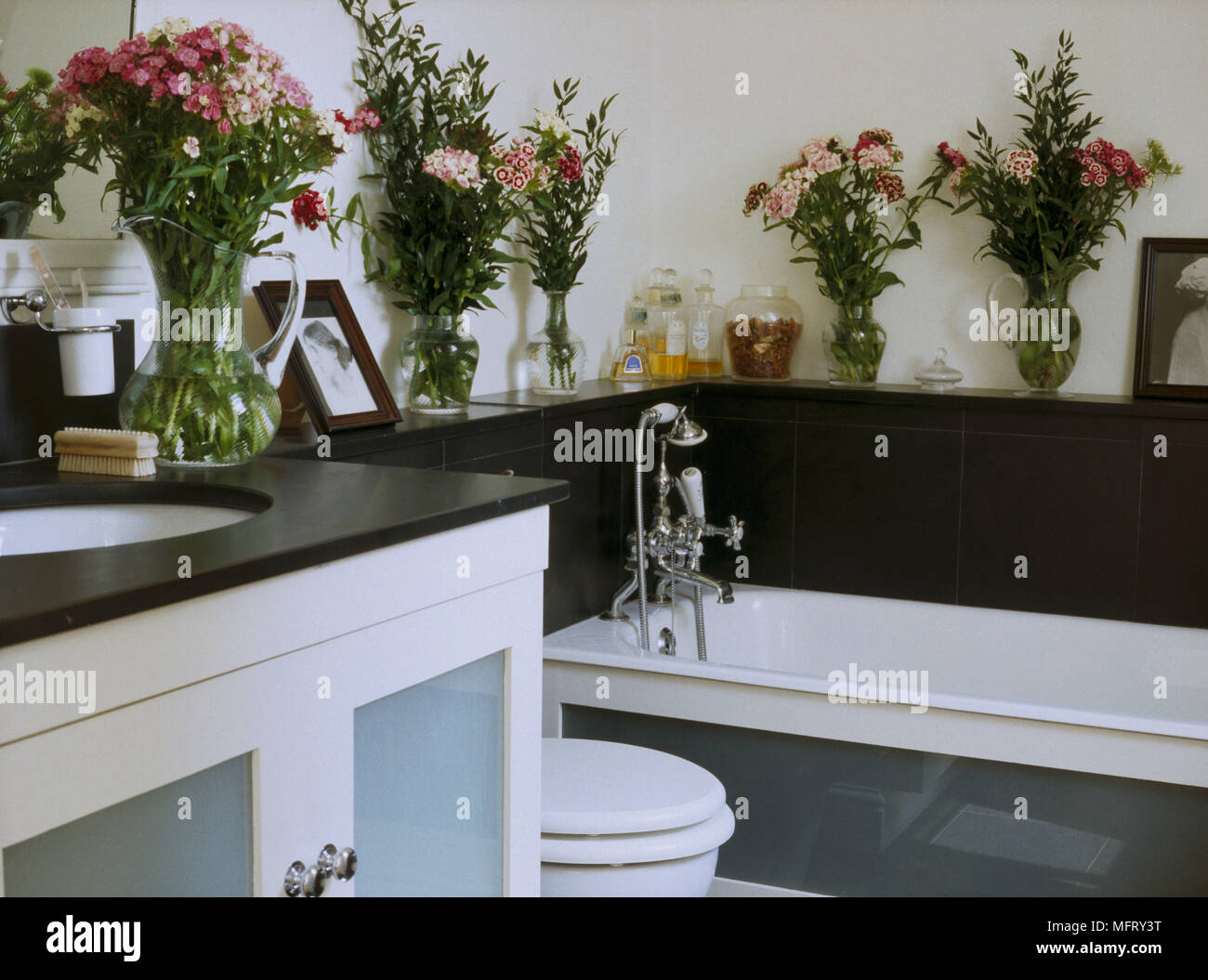 Bath Shelf Country Stock Photos & Bath Shelf Country Stock Images ...