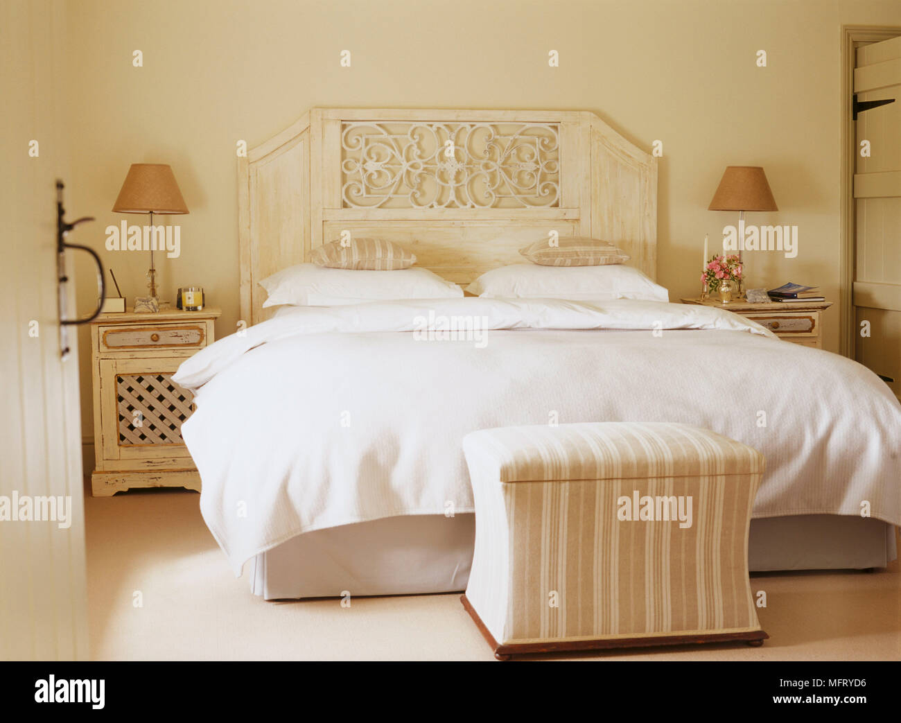 Super A Traditional Neutral Bedroom With Double Bed Carved Creativecarmelina Interior Chair Design Creativecarmelinacom