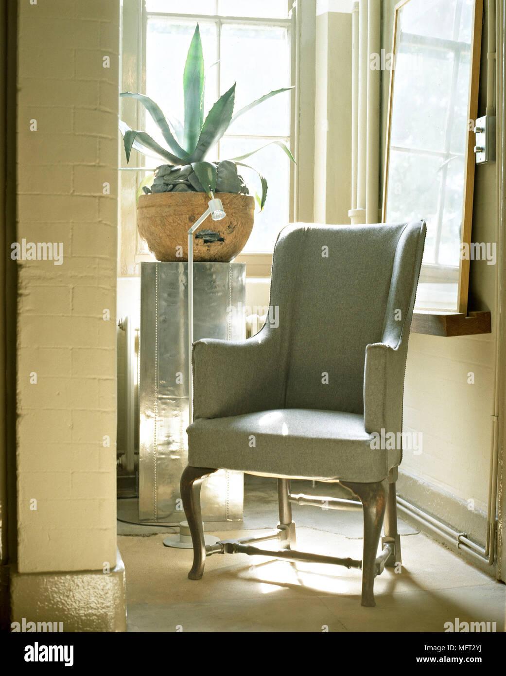 Amazon Com Ashley Furniture Signature Design Cecilyn Traditional