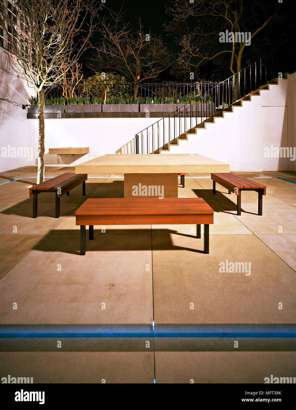 Modern Paved Patio Area Table Bench Seating Terraces Patios Outdoor Outside  Furniture Paving Slabs Town