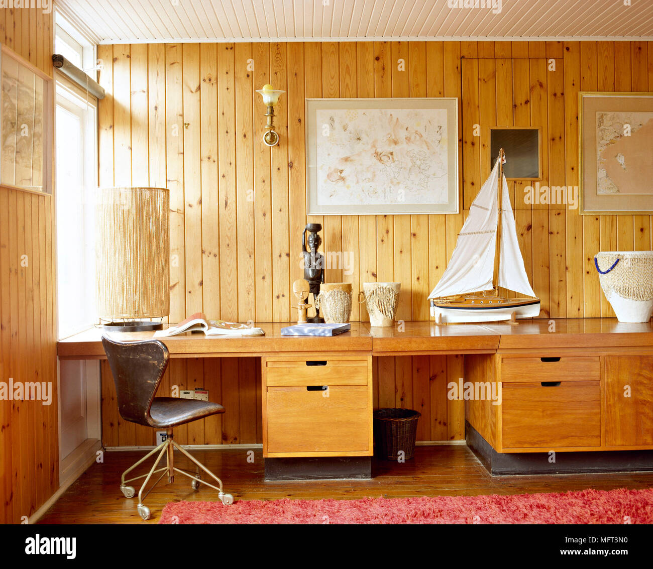 Home office tags home offices Room Country Home Office Detail Tongue And Groove Wood Panelling Desk With Drawers Swivel Leather Chair Interiors Rooms Offices Natural Materials Colours Alamy Country Home Office Detail Tongue And Groove Wood Panelling Desk