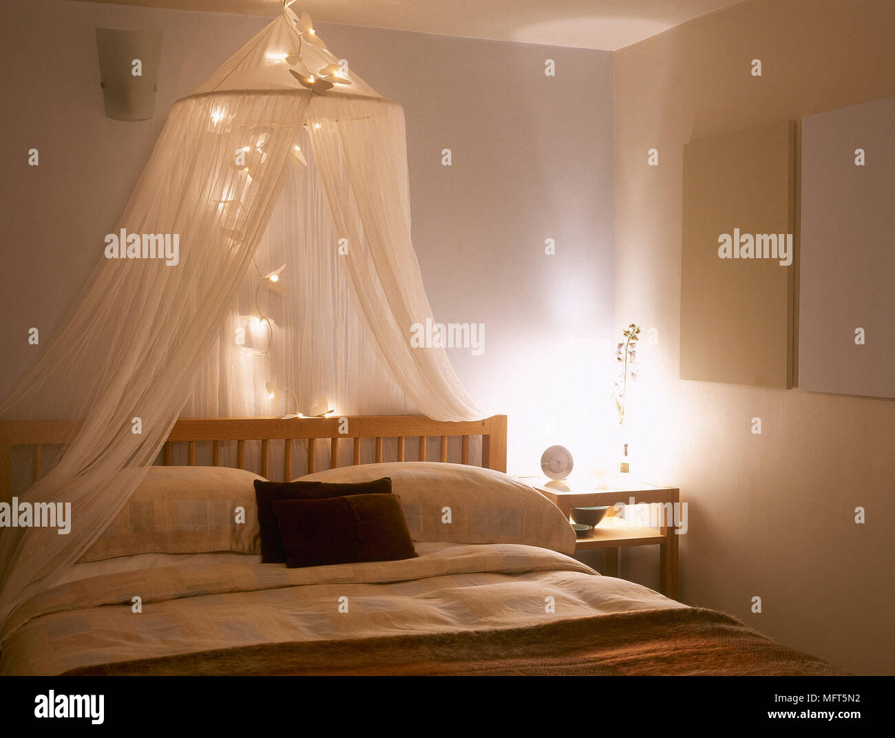 - Double Bed Canopy High Resolution Stock Photography And Images - Alamy