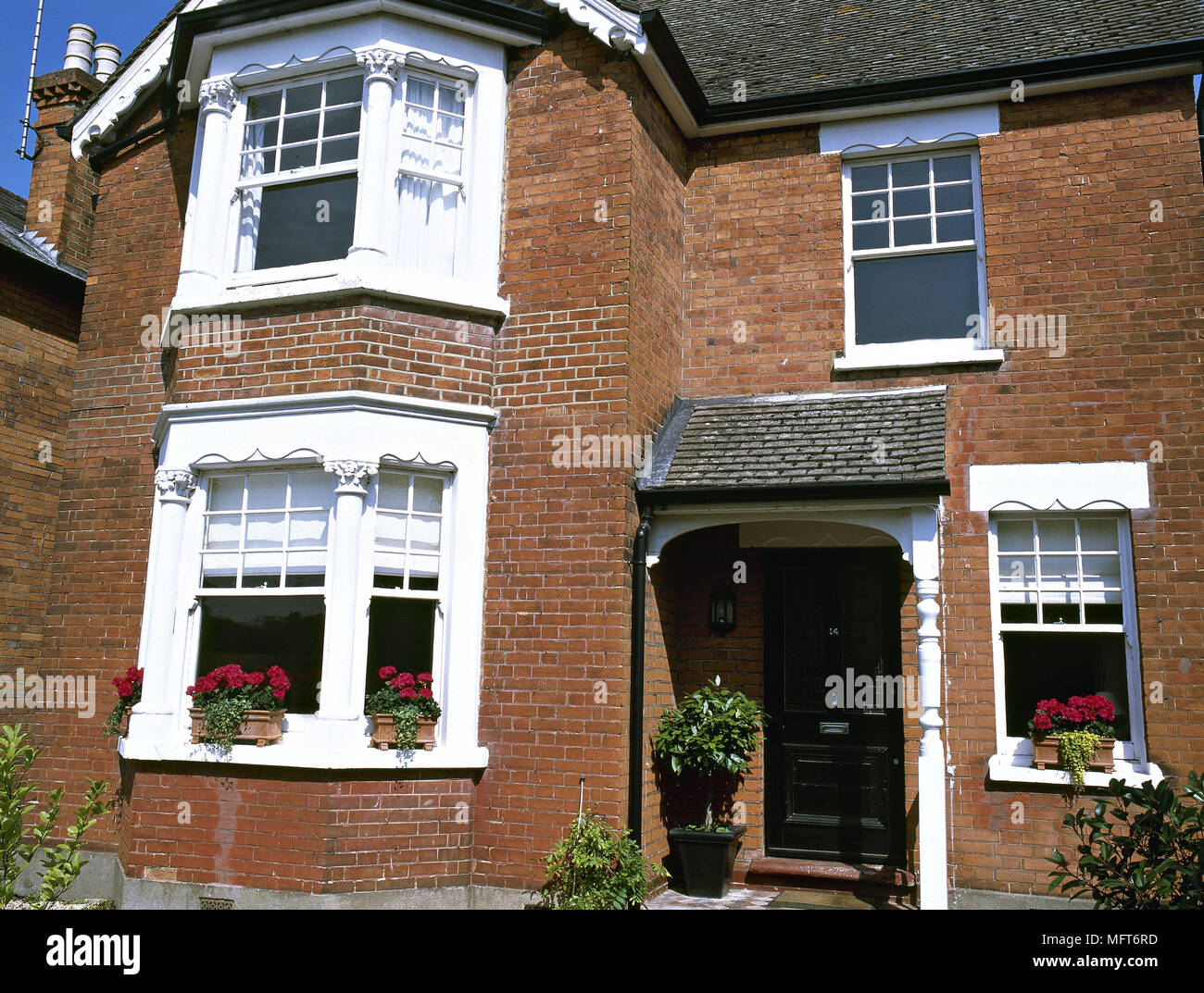 Fresh Exterior Victorian red brick town house bay windows exteriors  EF46