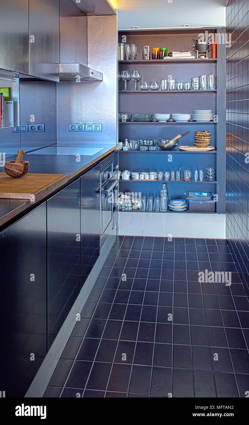 Recessed Shelving Stock Photos & Recessed Shelving Stock Images - Alamy