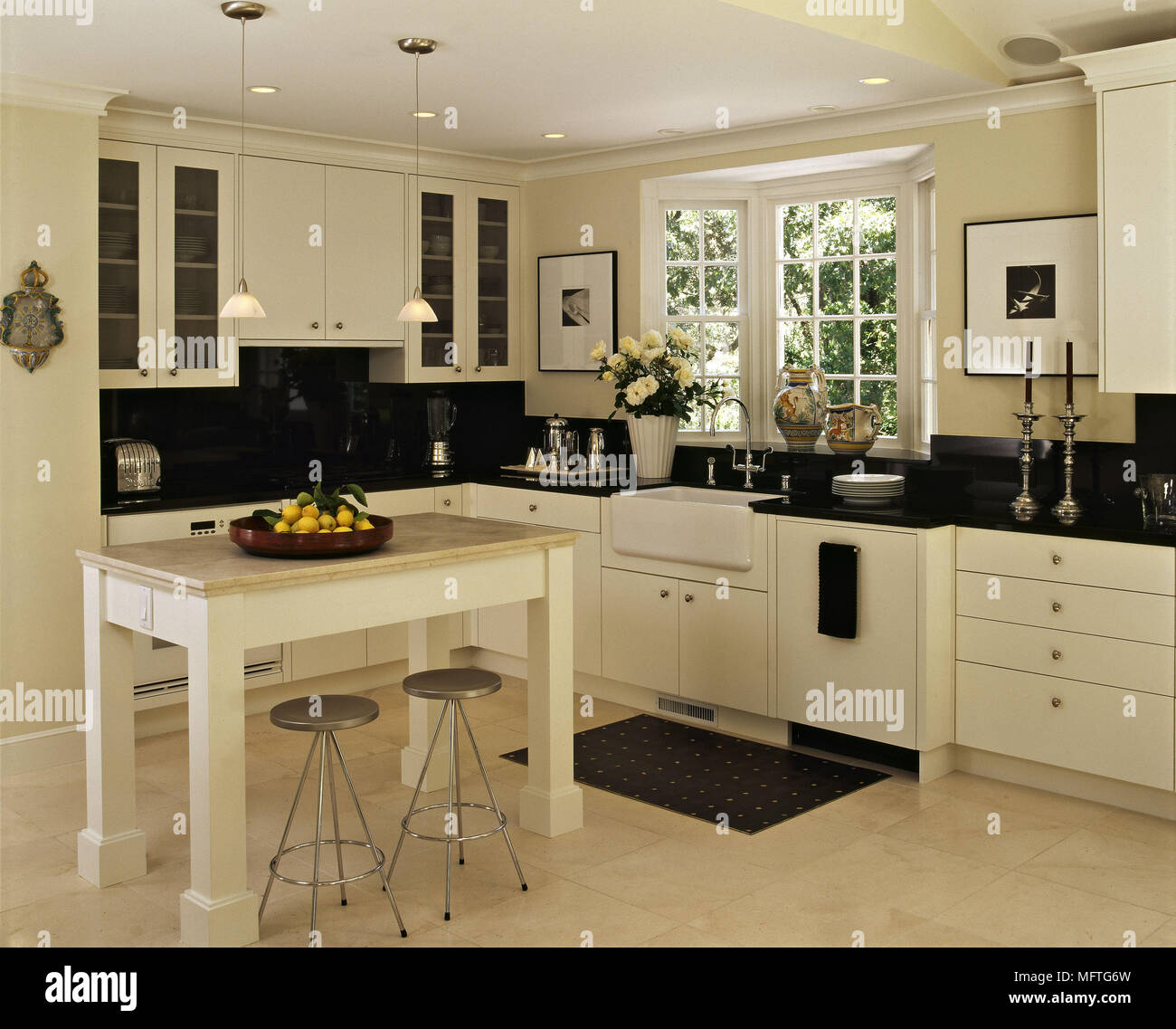 Modern country kitchen cream units black granite worktops central ...
