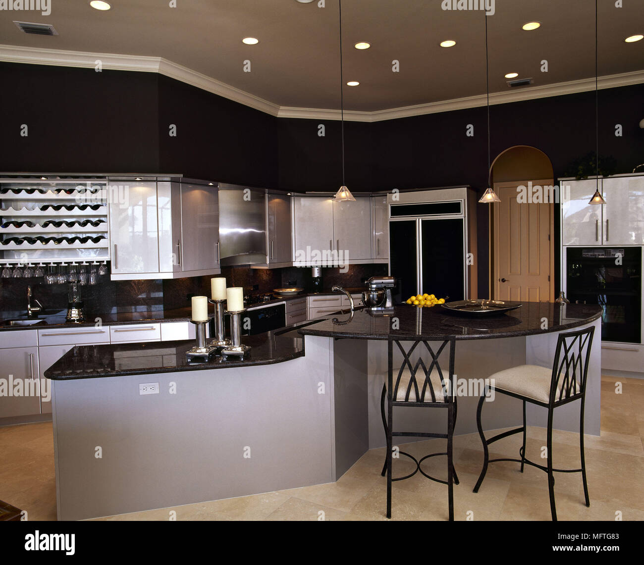 Modern Kitchen Grey Units Black Granite Worktops Central Island Breakfast Bar Stools Interiors Kitchens Kitchen Diner Diners Stock Photo Alamy