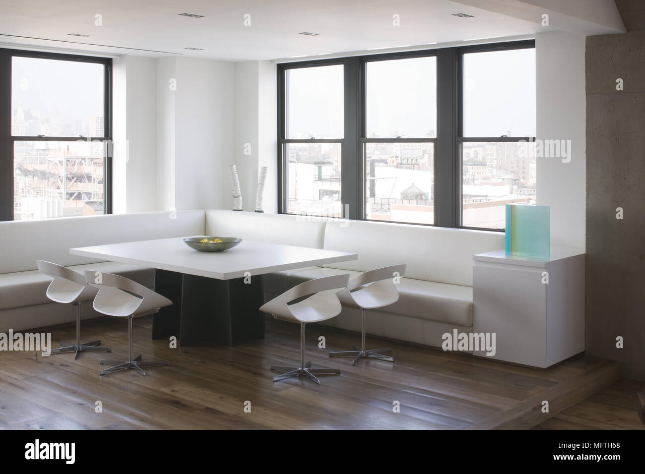 Admirable Chairs And Banquette Seating Around Table In Modern Dailytribune Chair Design For Home Dailytribuneorg