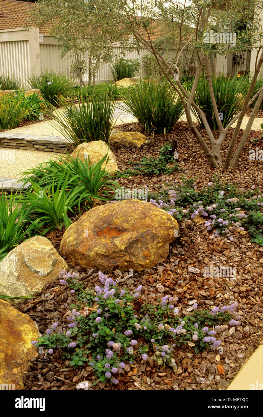 Rock Mulch Stock Photos & Rock Mulch Stock Images - Alamy