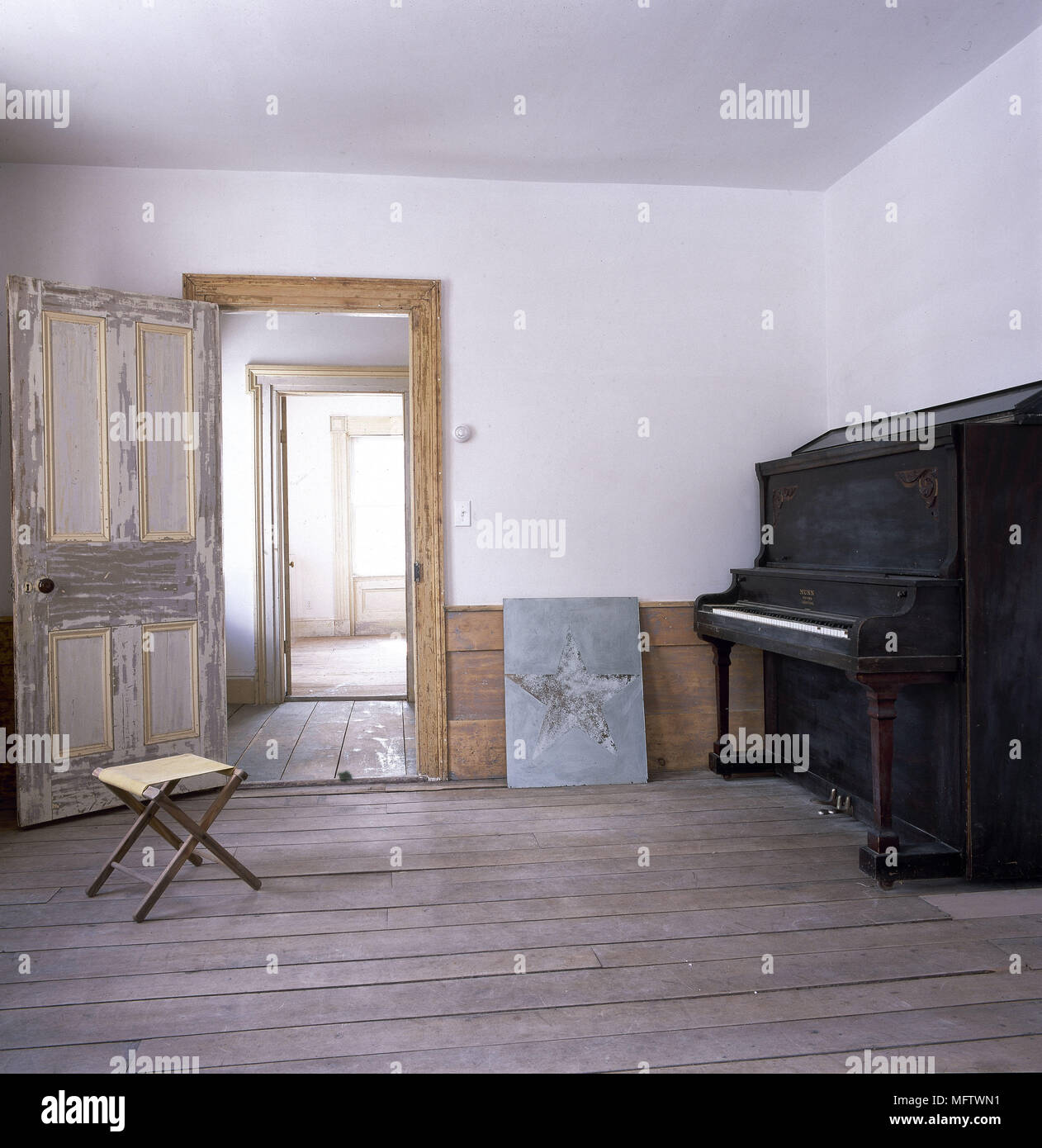 Empty Room: Wooden Floorboards Empty Room Stock Photos & Wooden