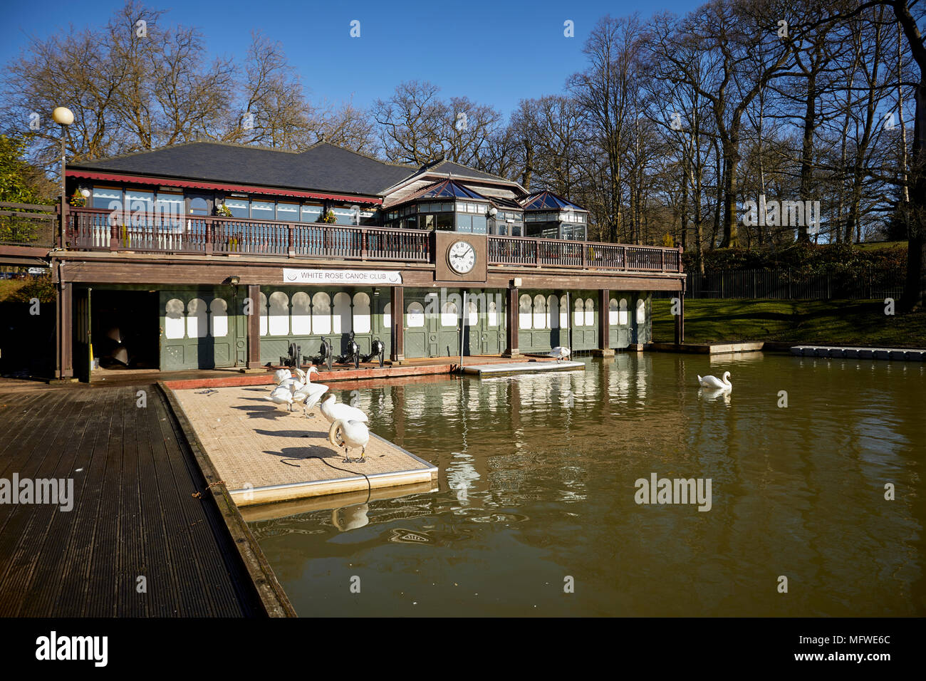 Leeds Rowing club at the Roundhay Boathouse in Roundhay Park, Leeds, Yorkshire. Stock Photo