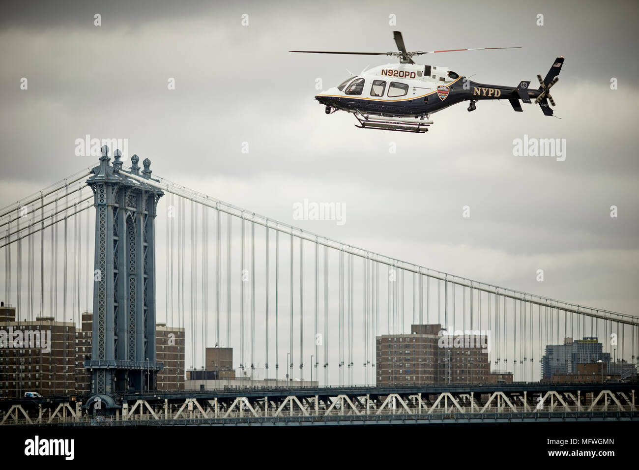 Brooklyn in New York City, Williamsburg Bridge frames 2014 BELL ...