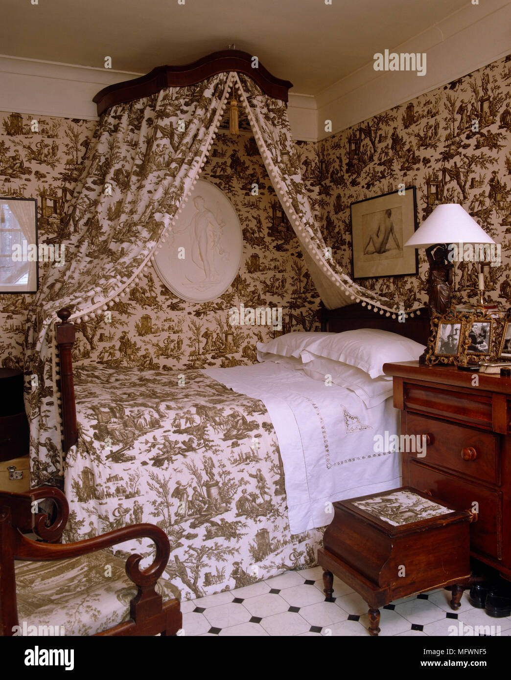 Double Bed With Canopy In Toile De Jouy Fabric And Coordinated Wallpaper