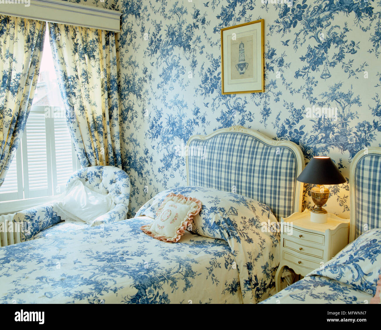 toile de jouy stock photos toile de jouy stock images alamy. Black Bedroom Furniture Sets. Home Design Ideas
