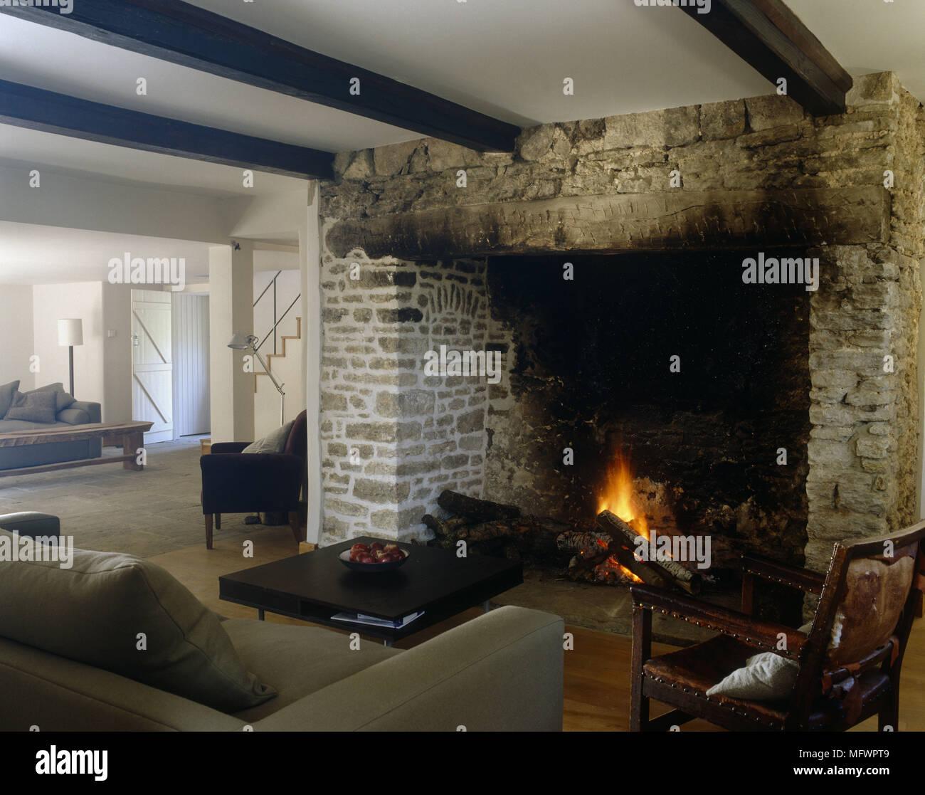 News From Inglenook Tile: Inglenook Fireplace Stock Photos & Inglenook Fireplace