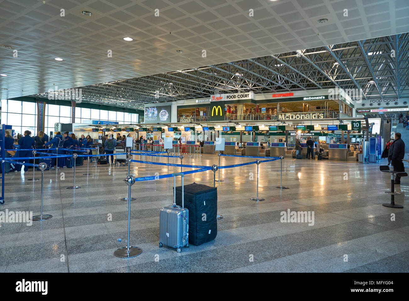 Milan Malpensa Italy Circa November 2017 Inside Milan Malpensa Airport Terminal 1 Stock Photo Alamy
