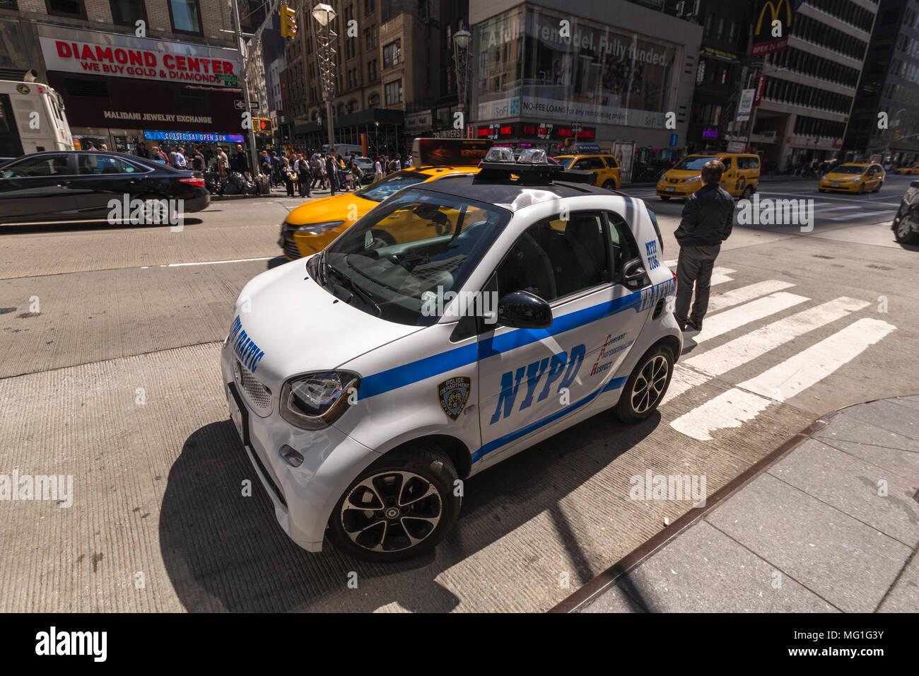 NYPD Smart Car Patrol Vehicle - Stock Image