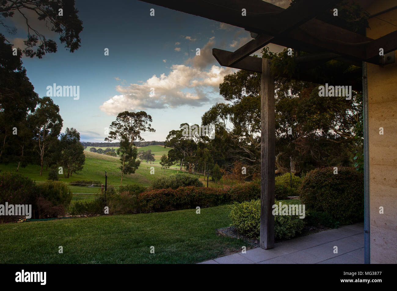 Macclesfield, Australia. 25th, Oct 2017.  House in Macclesfield, view of domestic garden, in the Adelaide Hills region, in the District Council of Mou Stock Photo