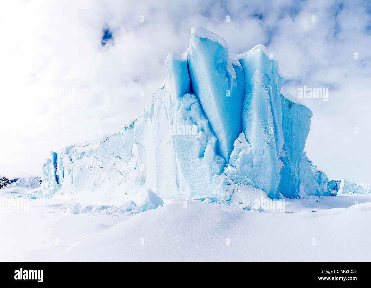 Icebergs frozen into the fjords of Baffin Island, Nunavut, Canada - Stock Image