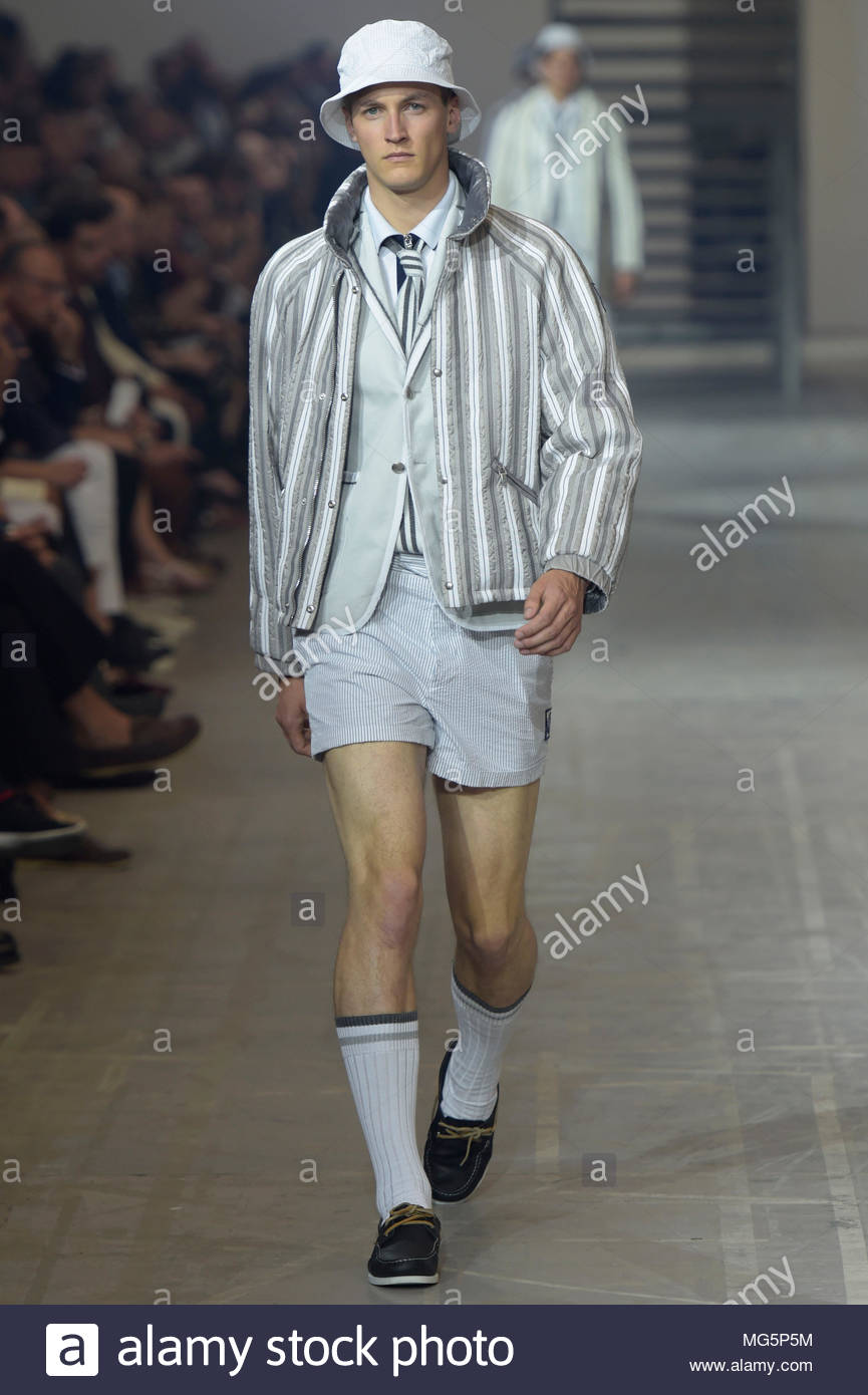 To acquire Gamme moncler bleu spring runway picture trends