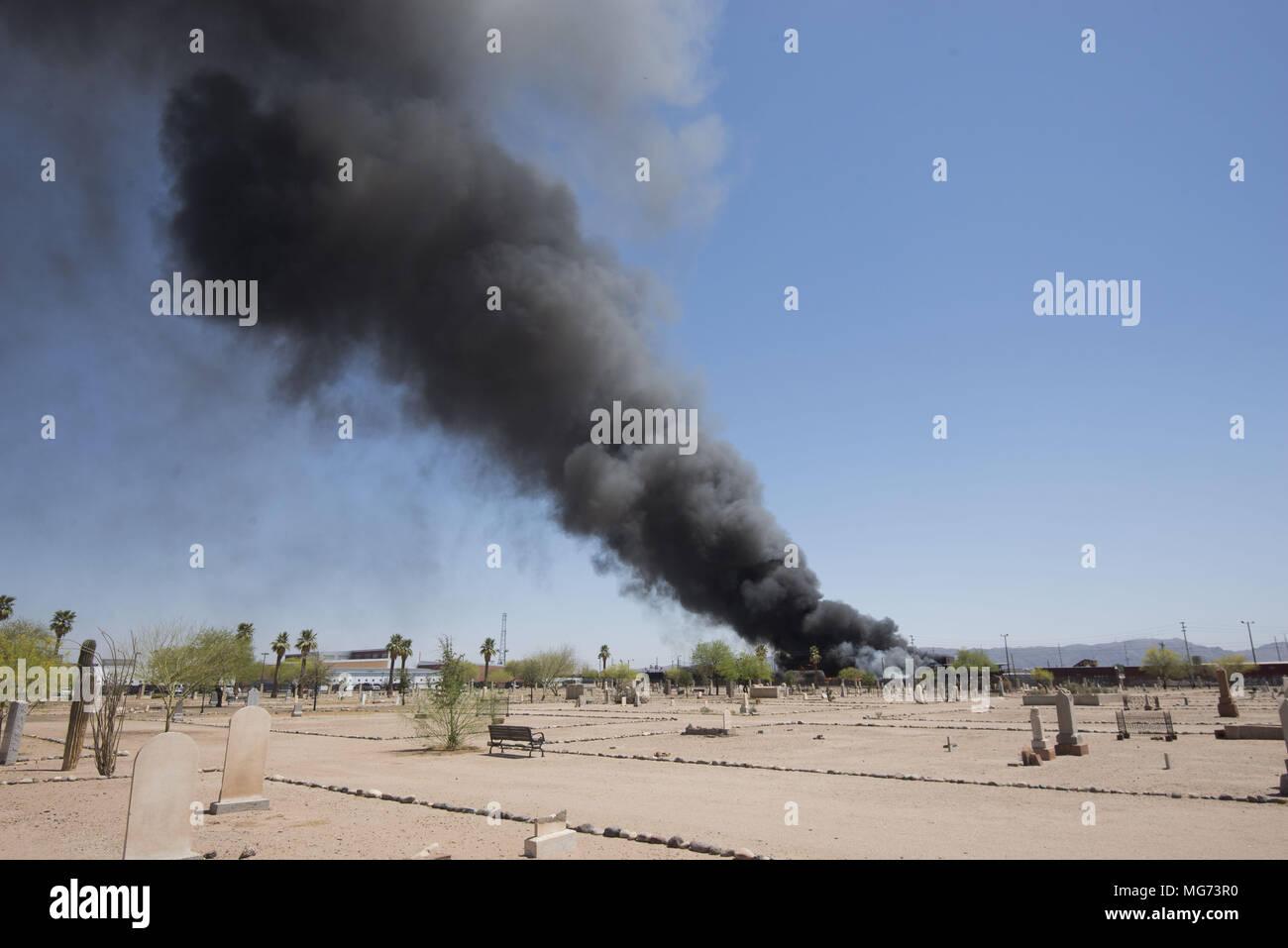 Phoenix, Arizona, USA. 27th Apr, 2018. Firefighters work the scene ...