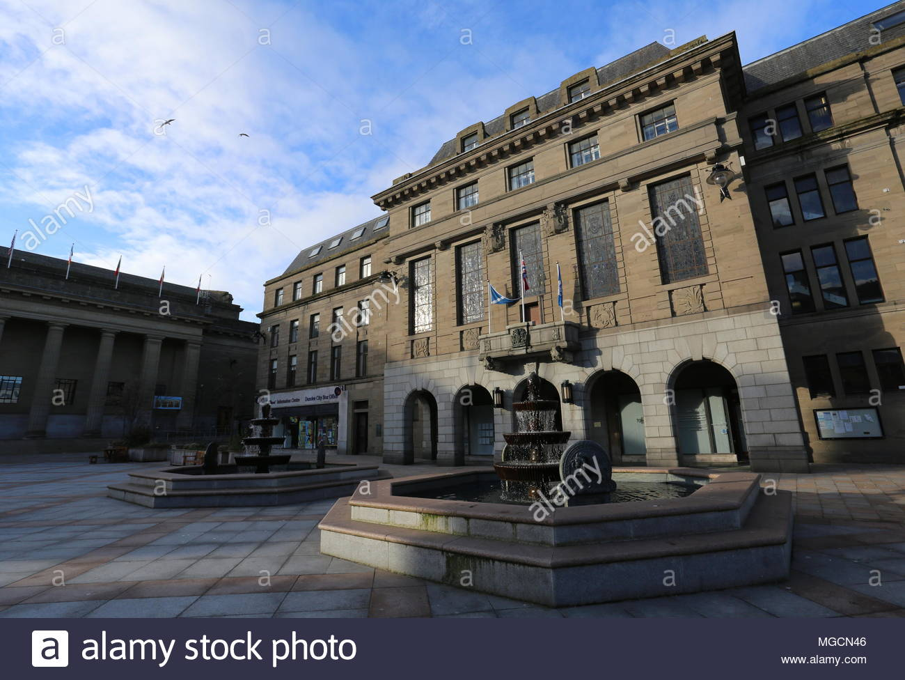 Fountain and The Chambers of Commerce, City Square Dundee Scotland  April 2018 - Stock Image