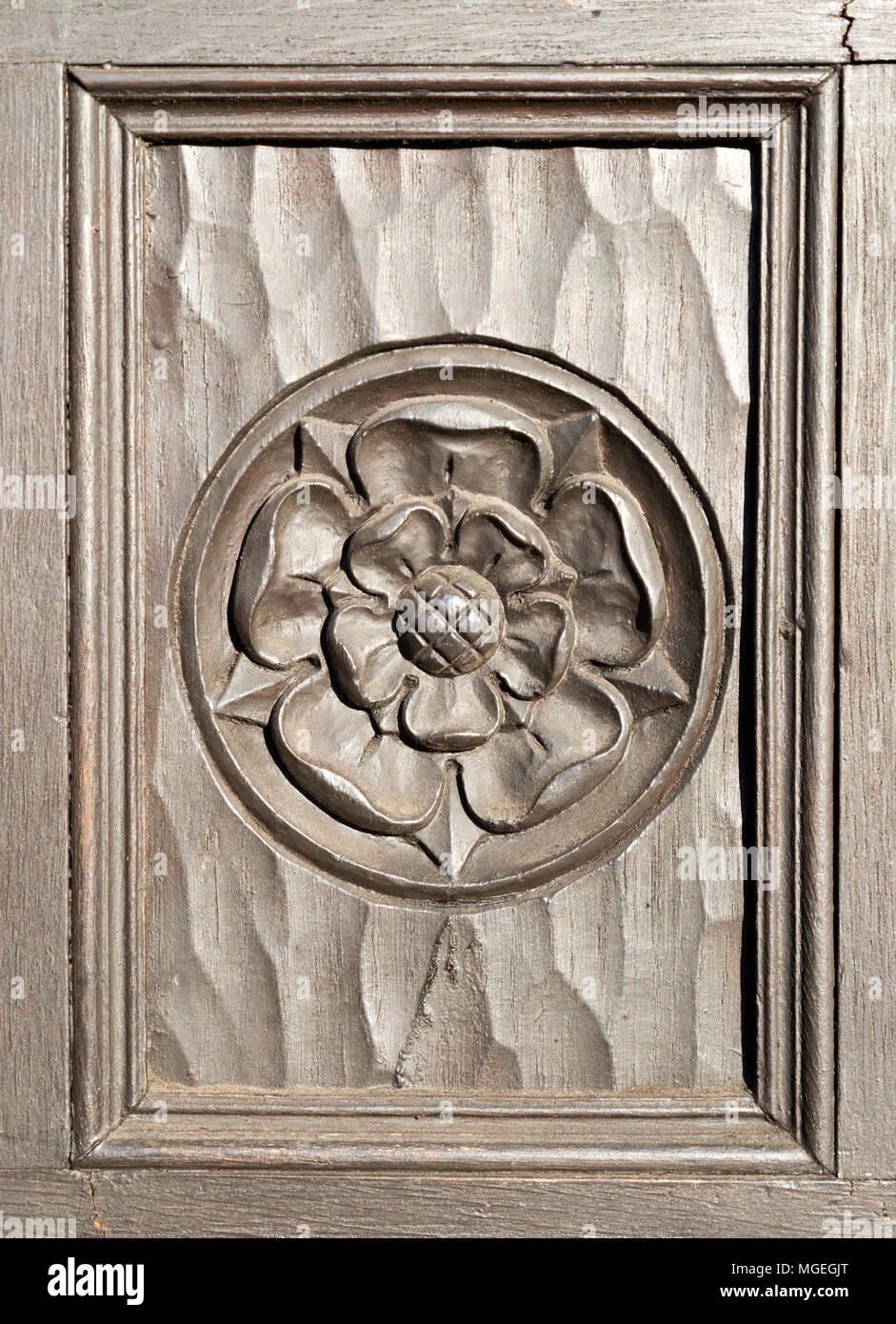 Corbel rose carved wood