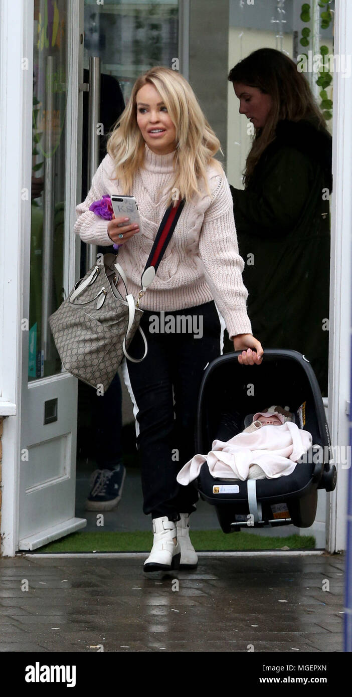 Katie Piper Out Shopping With Her Baby Daughter Penelope On A Rainy Day In Brentwood Featuring Katie Piper Penelope Piper Where Essex United Kingdom