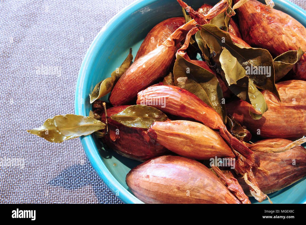 Echalotes confites (candied shallots), La Table du Marais restaurant, La Fresnais, Brittany, France - Stock Image