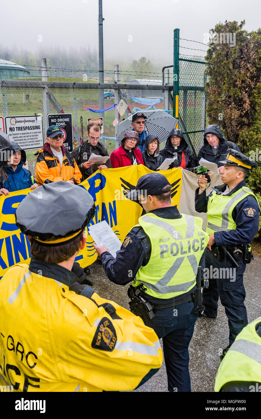 British Columbia, Canada. 28 April 2018. People of Faith, Christians, Moslems, Buddhists and Jews  join together with local Tsleil-Waututh First Nation to protest the Kinder Morgan Pipeline twinning and expansion, Burnaby Mountain, British Columbia, Canada. Stock Photo