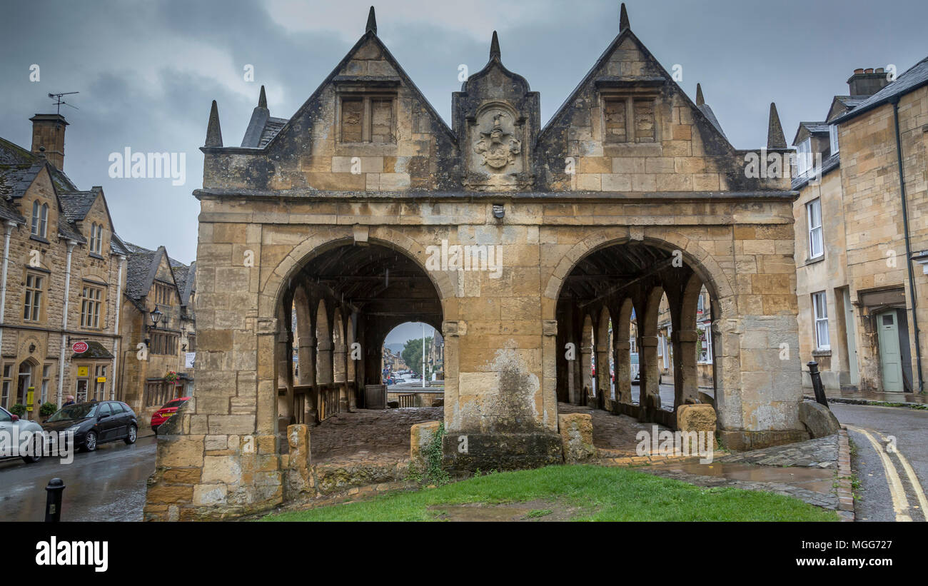 Chipping Campden's open Market Hall was built in 1627 by Sir Baptist Hicks at a cost of £90 to shelter the cheese, butter and poultry market - Stock Image