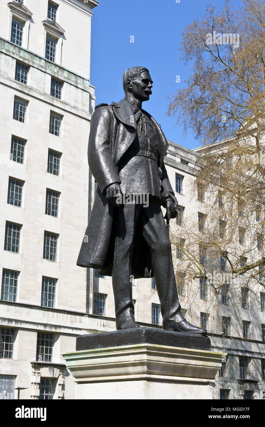 A bronze statue of Air Marshal Lord Hugh Montague Trenchard (1873 - 1956) Founder of the Royal Air Force, London, England, United Kingdom Stock Photo