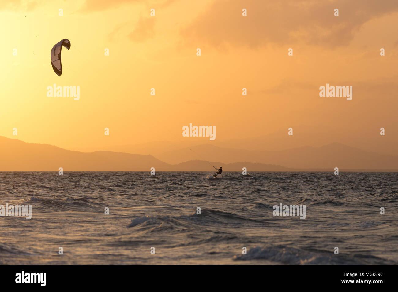 Kiteboarding in the sunset at Punta Chame, Panama - Stock Image