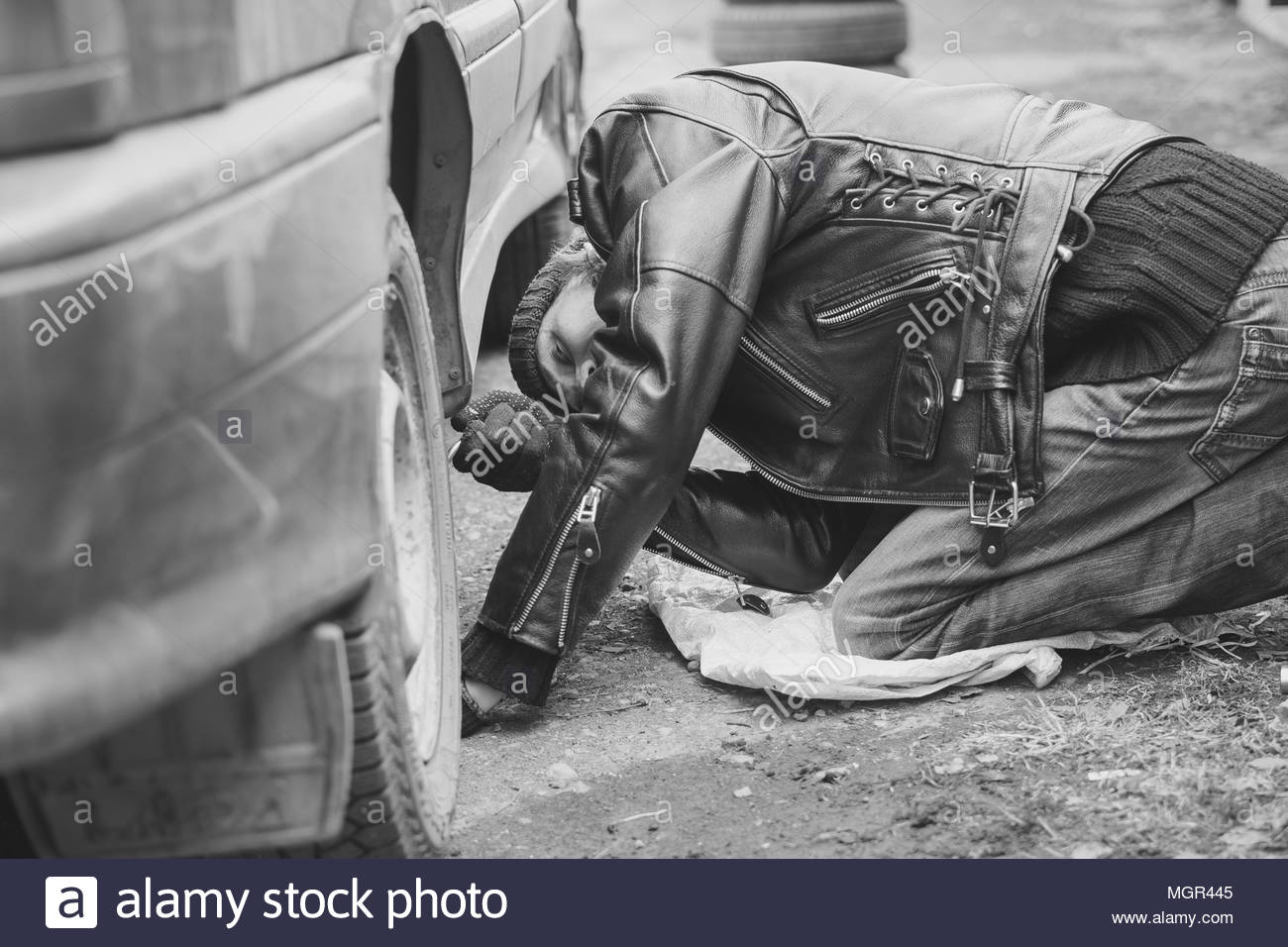Run flat tyre stock photos run flat tyre stock images alamy change a flat car tire on road with tire maintenance damaged car tyre stock thecheapjerseys Gallery