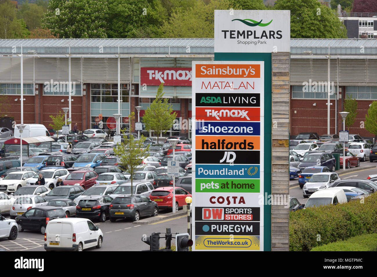Oxfordshire, UK. . 29th Apr, 2018. The Templars shopping park in Cowley, Oxfordshire where the supermarkets Sainsbury's and Asda both have retail outlets. Credit: Bridget Coaker/Alamy Live News - Stock Image