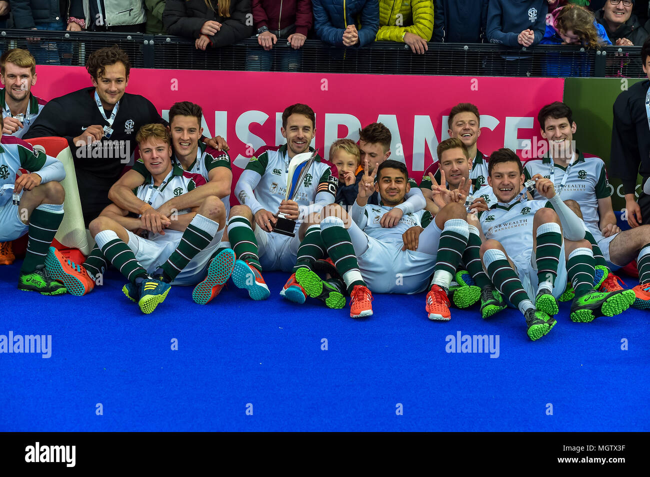 London, UK. 29 April 2018. Surbiton team celebrate after winning the England League during MHL Final between Hampstead & Westminster and Surbiton of the 2018 England Hockey League Final on Sunday, 29 April 2018. London, England. Credit: Taka G Wu Credit: Taka Wu/Alamy Live News Stock Photo