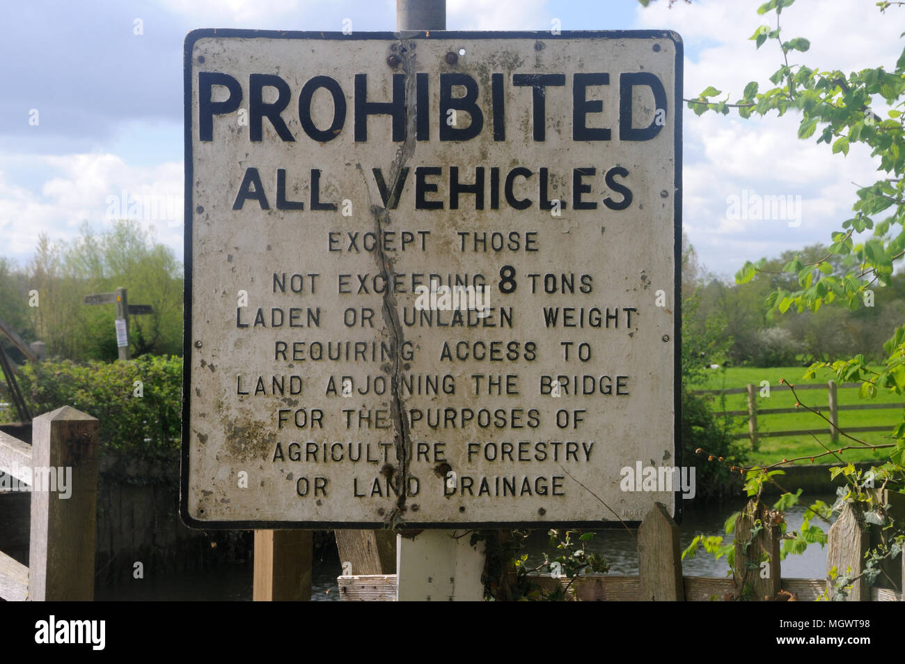 A pre-Warboys Prohibition sign by the bridge over the River Stour at Flatford, Suffolk, England Stock Photo