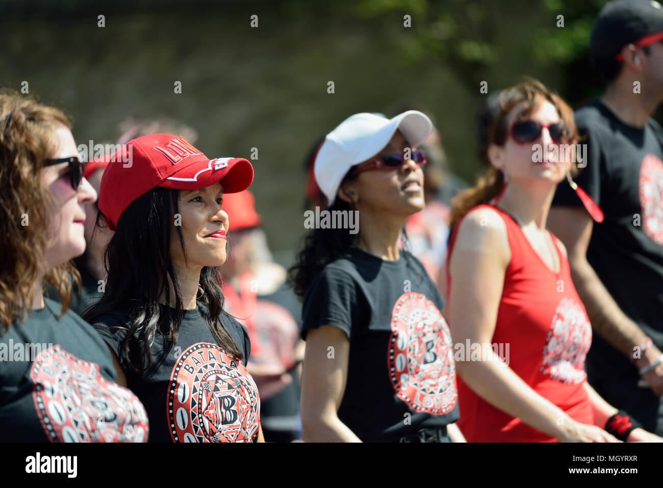 Batala Brazilian Samba Drumming Band, 2018 Virgin Money London Marathon, London, United Kingdom Stock Photo