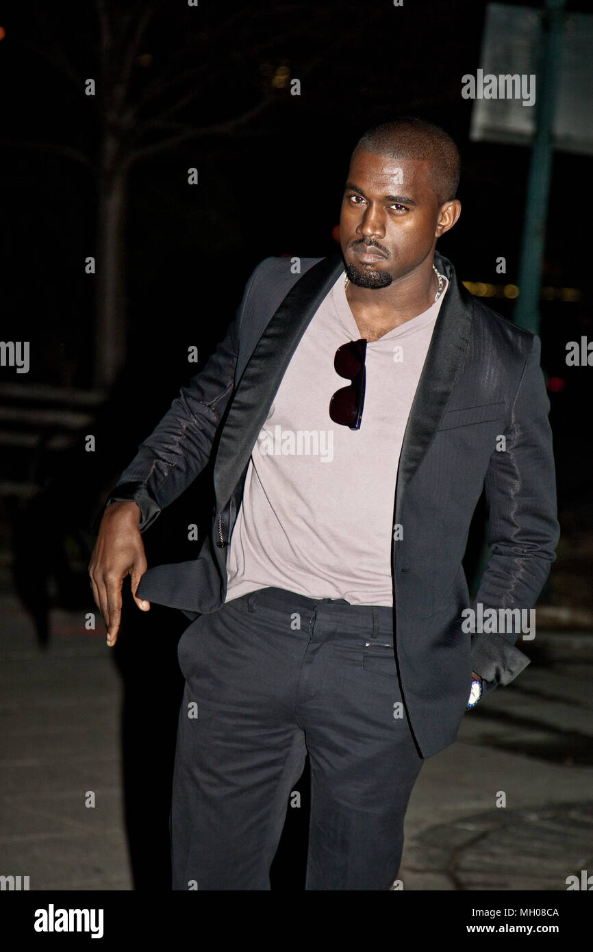 NEW YORK - APRIL 21: Rapper Kanye West attends the Vanity Fair party for the 2009 Tribeca Film Festival. - Stock Image