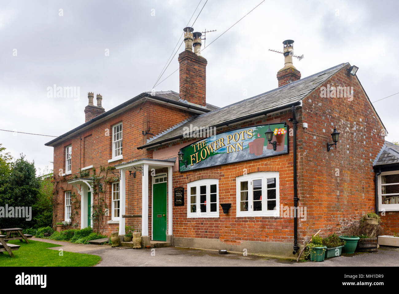 The Flower Pots Inn pub in the village of Cheriton in the H&shire countryside England UK & The Flower Pots Inn pub in the village of Cheriton in the Hampshire ...