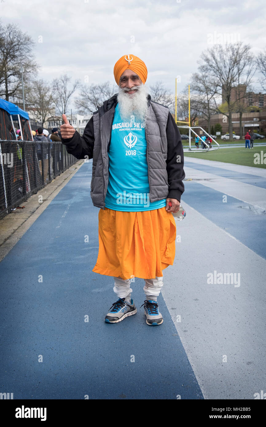 A Sikh man in his upper seventies prior to the Vaisakhi 5k run in VIctory Field, Woodhaven, Queens, New York. - Stock Image