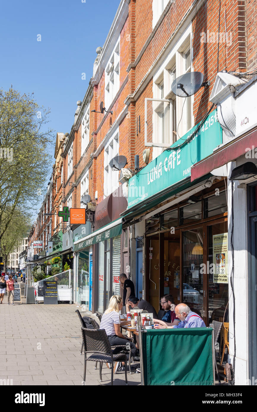 'Luna Cafe' pavement cafe, Chiswick High Street, Chiswick, London Borough of Hounslow, Greater London, England, United Kingdom - Stock Image