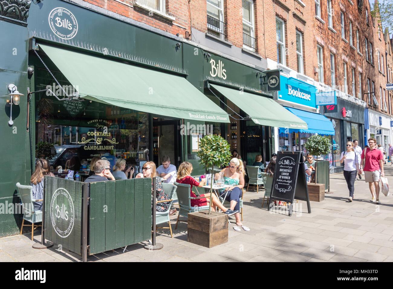 'Bill's restaurant' pavement cafe, Chiswick High Street, Chiswick, London Borough of Hounslow, Greater London, England, United Kingdom - Stock Image
