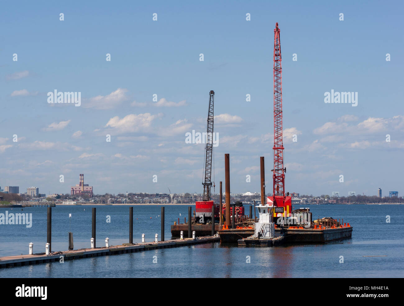 Pile Driving Stock Photos & Pile Driving Stock Images - Alamy