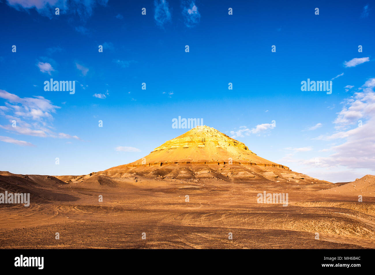 Rock near the Bahariya Oasis in the Sahara Desert in Egypt - Stock Image