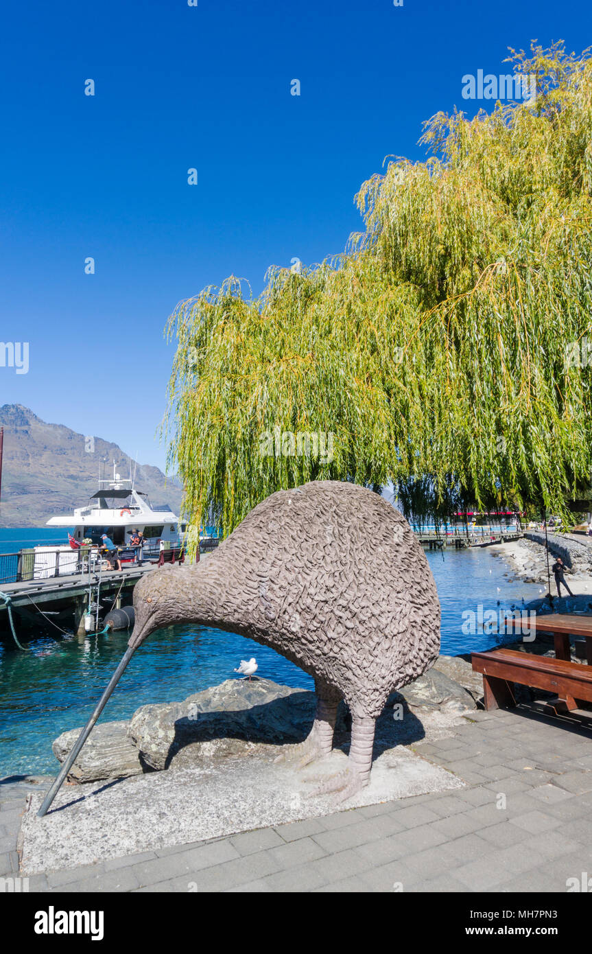 Queenstown South Island new zealand Giant Kiwi statue by the side of Lake wakatipu Queenstown steamer quay queenstown south island new zealand - Stock Image