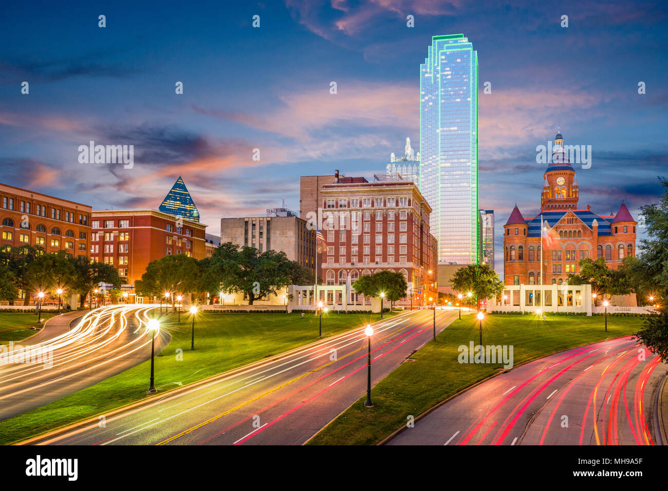 Dallas, Texas, USA skyline over Dealey Plaza. - Stock Image