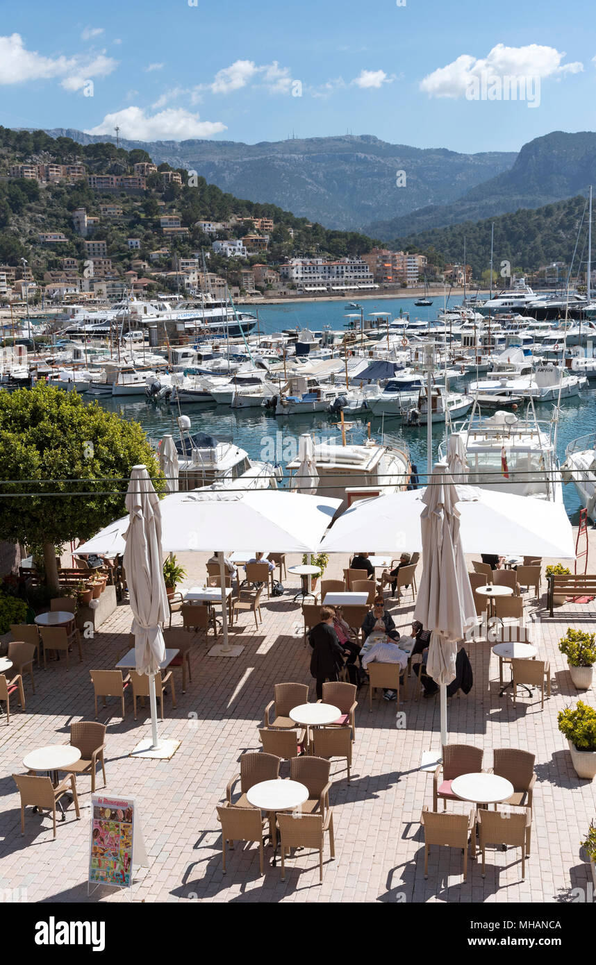 Port de Soller, Mallorca, Balearic Island, Spain. 2018. The seafront and harbour at Port de Soller a popular holiday resort in Mallorca. - Stock Image