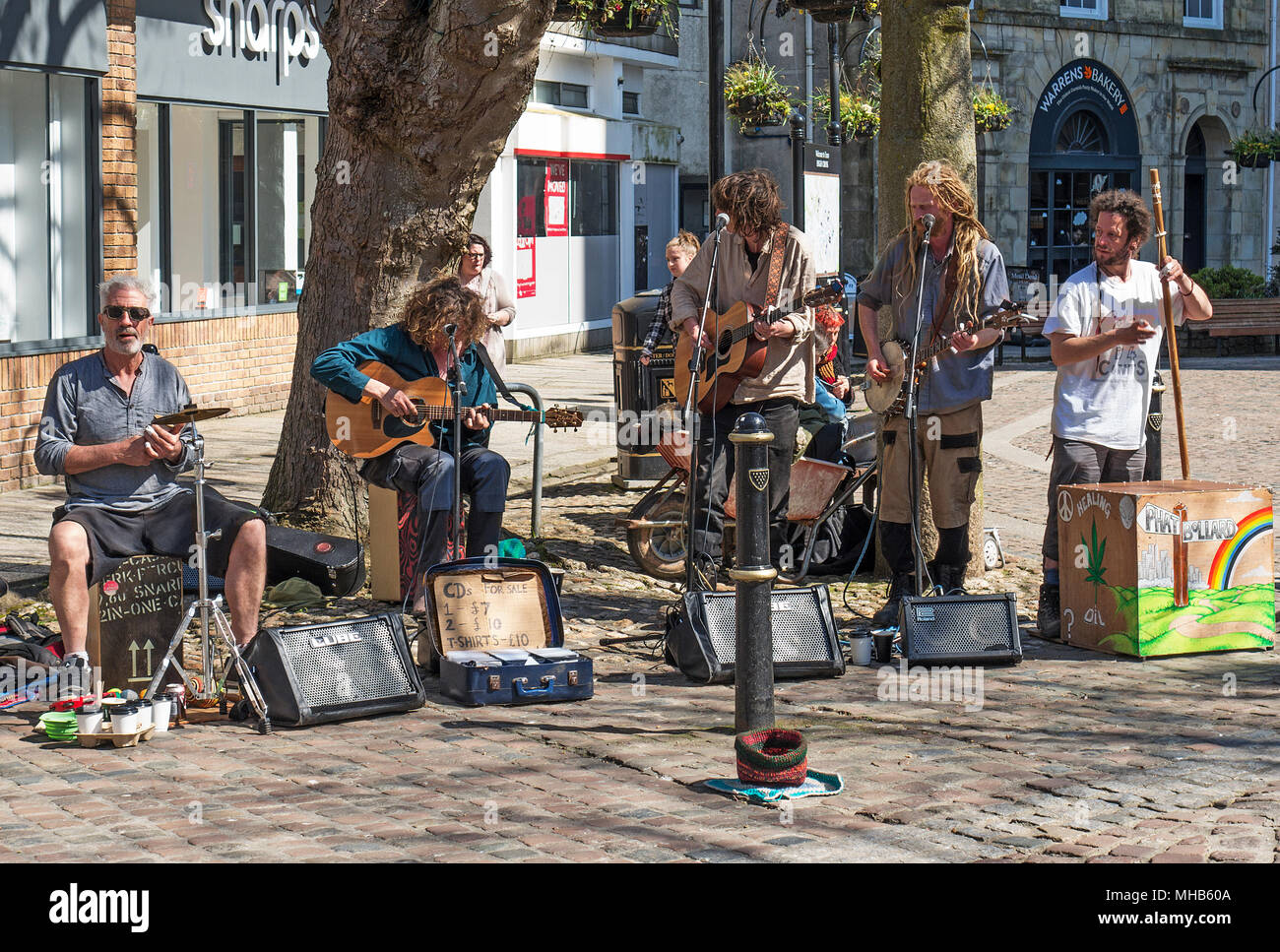 buskers performing in truro, cornwall, england, britain, uk. - Stock Image