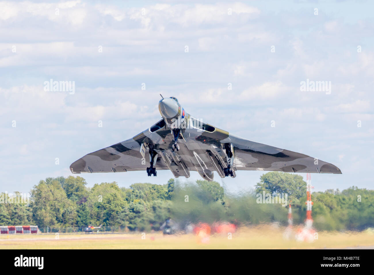 Vulcan XH558 Taking off for her last flight/display at RAF Fairford air tattoo RIAT UK - Stock Image