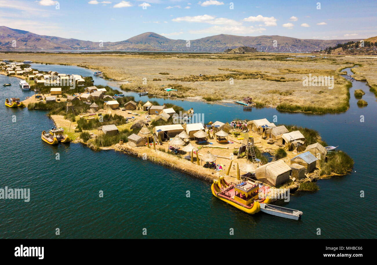 Aerial view of floating islands of Uros at Lake Titicaca - Stock Image